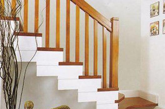 首页 >  产品中心 >  实木楼梯扶手  系列:室内实木楼梯     产品特点